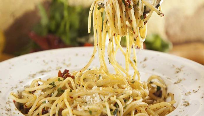 پاستا aglio e olio